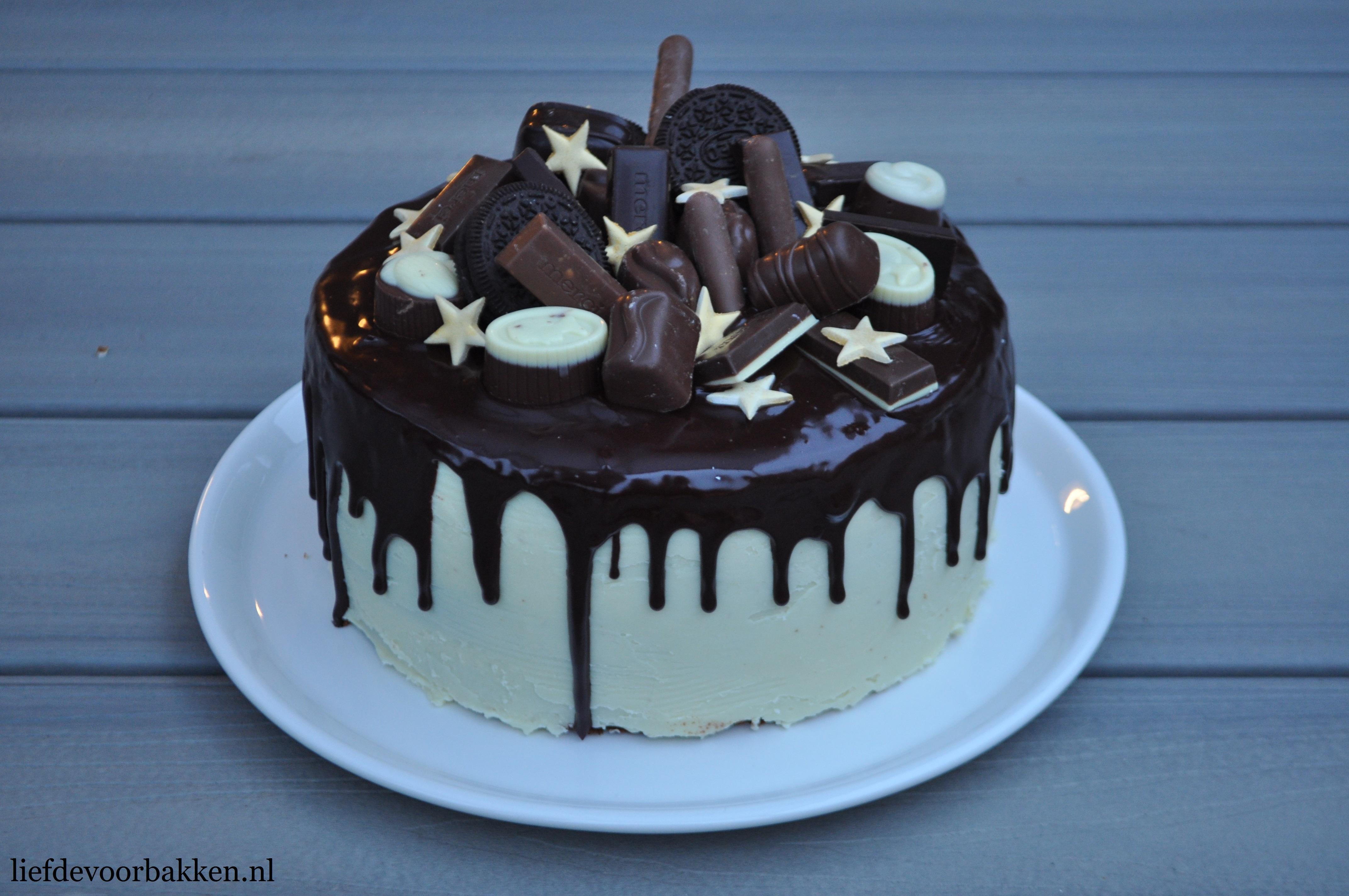 Chocolate dripcake voor kerstmis