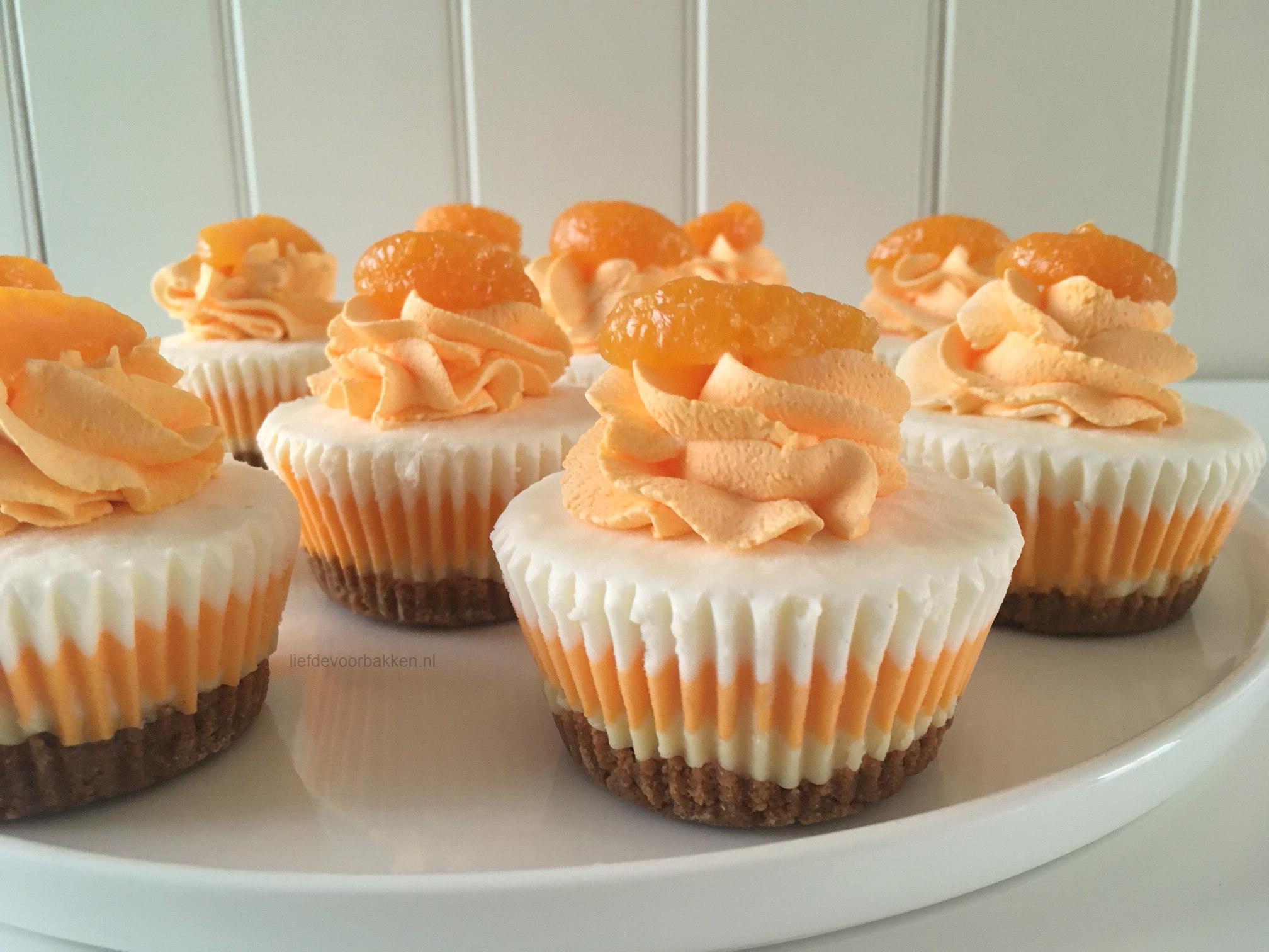 Oranje gebakjes